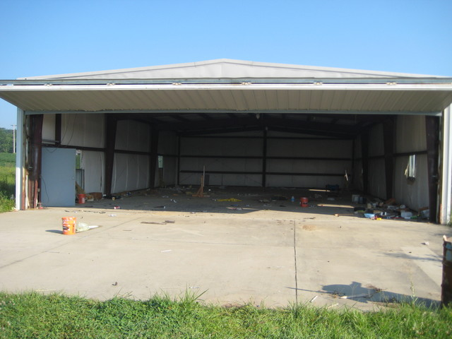 120 Acres On Highway 61 - Garage
